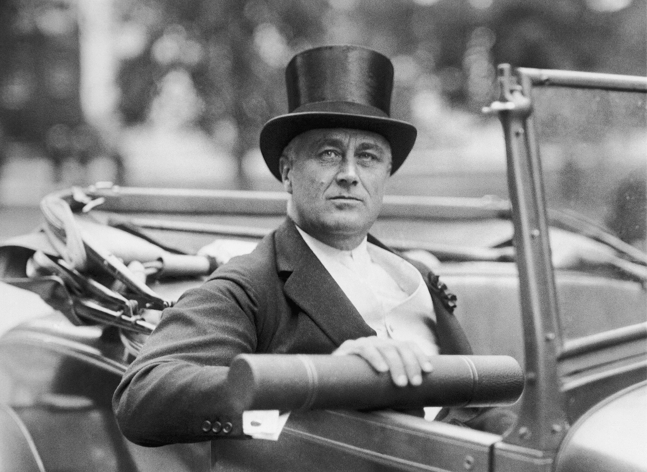 Roosevelt the new deal essay
